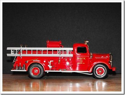 Mack Trucks 001