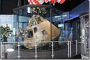 210px-Apollo_16_capsule