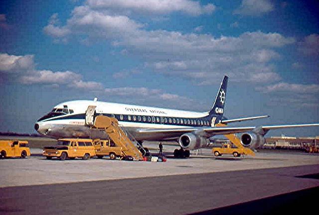 ONA_DC--8-55_Travis_AFB,_CA_1969_2