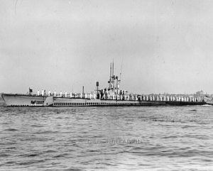 300px-USS_Threadfin;0841003
